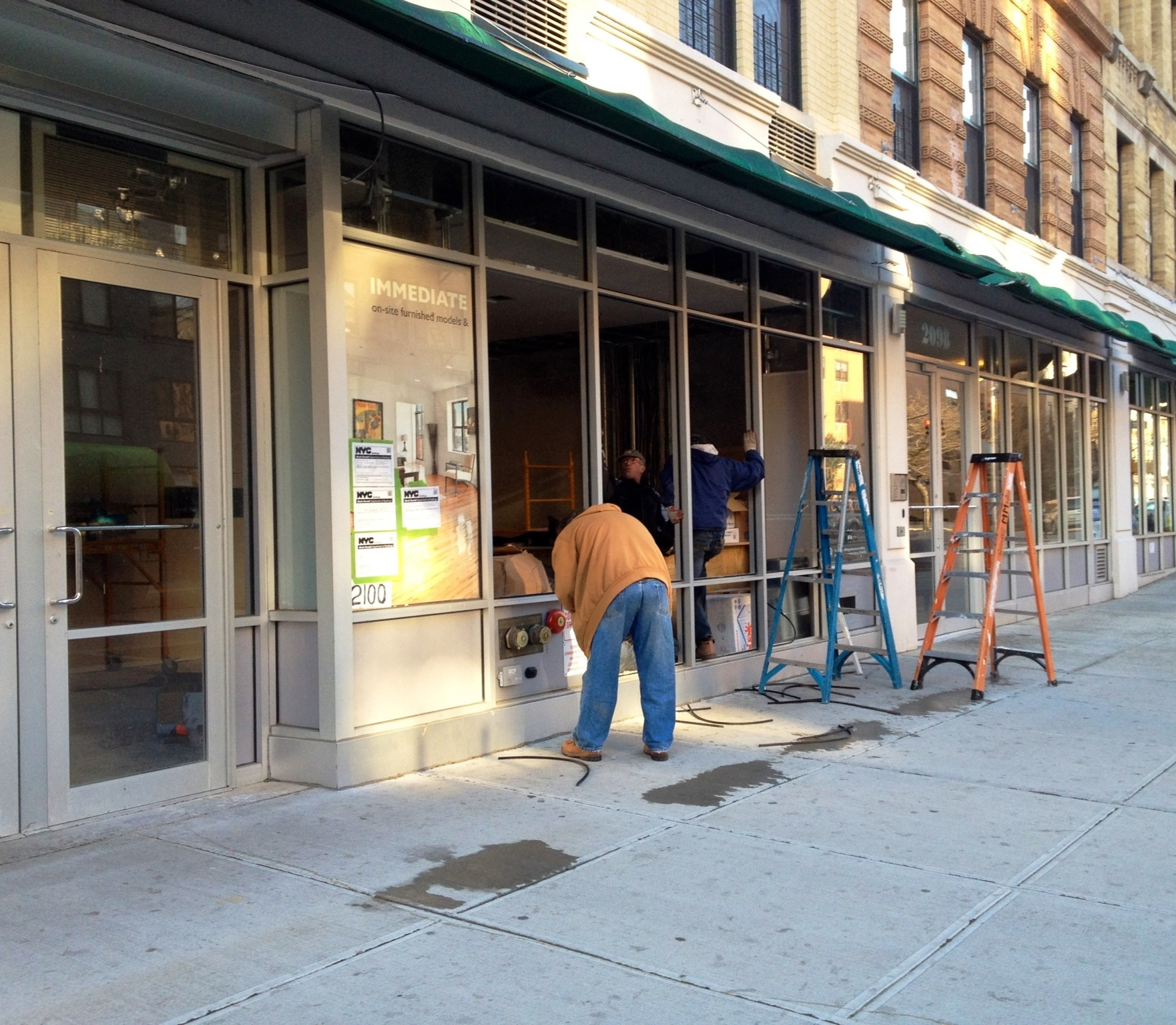 Construction begins on harlem food bar harlemgal inc for Food bar harlem